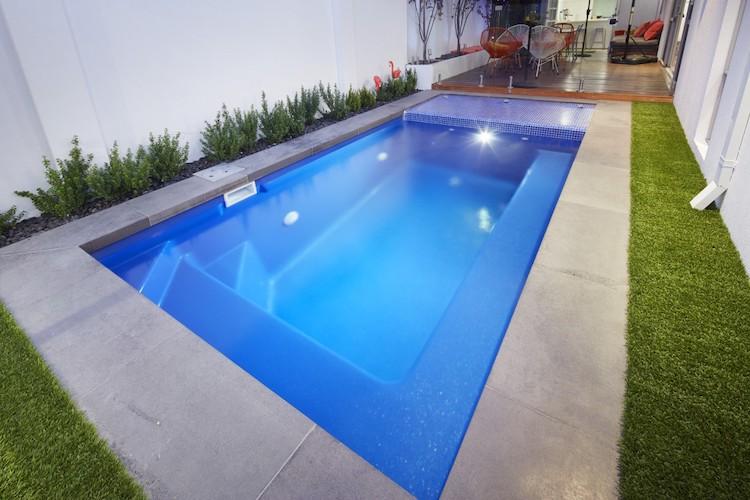4.2mx1.6m-billabong-slimline-plunge-pool-3