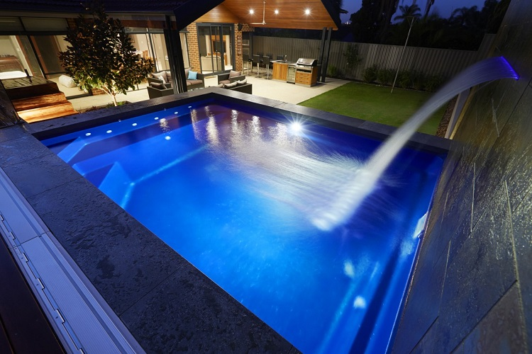 5.5m x 3.48m Billabong Plunge
