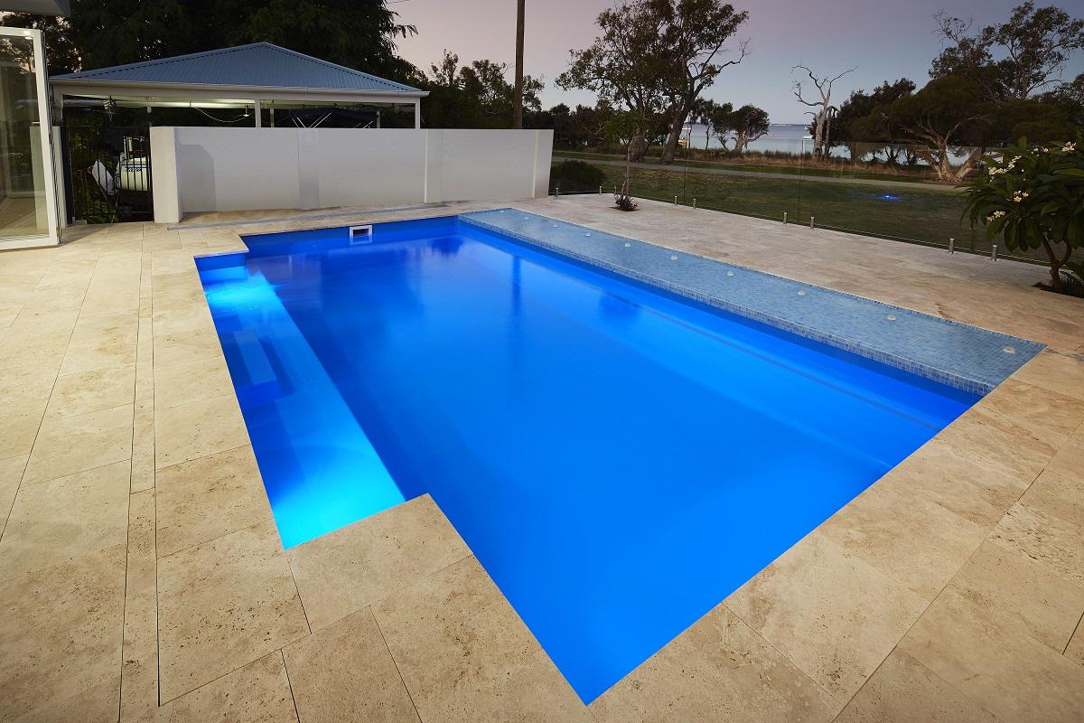 Venice Pool 7.6m x 4.4m 10