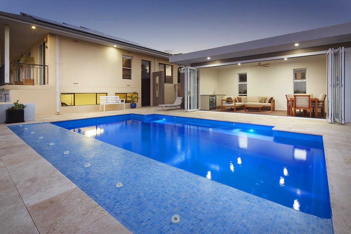 Venice Pool 7.6m x 4.4m 5